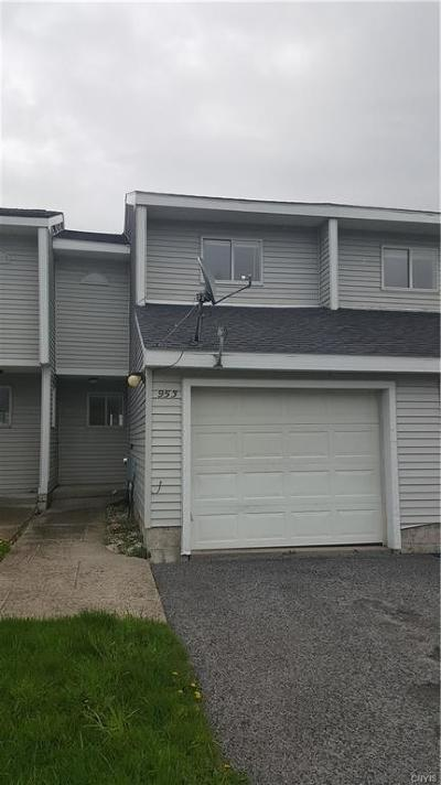 Jefferson County, Lewis County Condo/Townhouse A-Active: 953 Kieff Drive