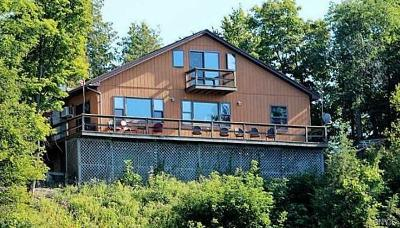 Jefferson County, Lewis County Single Family Home A-Active: 6905 Cedar Cove
