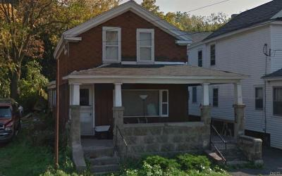 Single Family Home A-Active: 622 Wolf Street