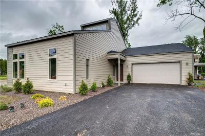 Syracuse Single Family Home For Sale: 110 Xavier Circle