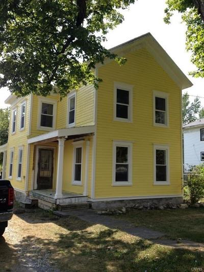 Jefferson County, Lewis County Single Family Home C-Continue Show: 107 Mechanic Street