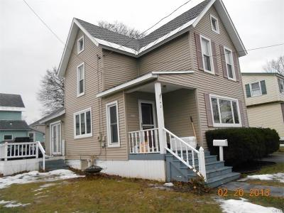Watertown-city Single Family Home For Sale: 748 Griffin Street