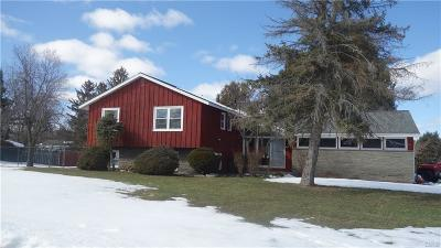 Single Family Home C-Continue Show: 18 Buccaneer Bend