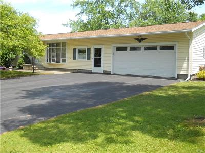 Auburn Single Family Home A-Active: 34 Meadowbrook Drive West