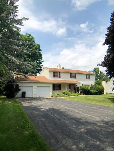 New Hartford Single Family Home C-Continue Show: 10 Foxcroft Road