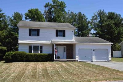 New Hartford Single Family Home A-Active: 8 Fawncrest Boulevard
