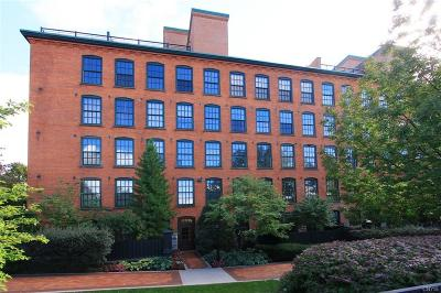 Syracuse Condo/Townhouse C-Continue Show: 429 North Franklin Street #101