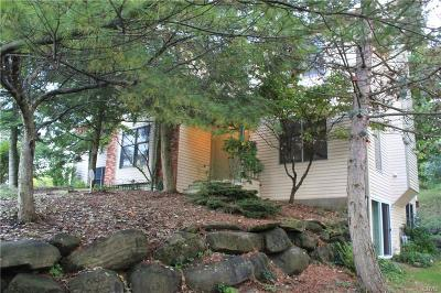 Syracuse Single Family Home A-Active: 4994 Cornish Heights Parkway