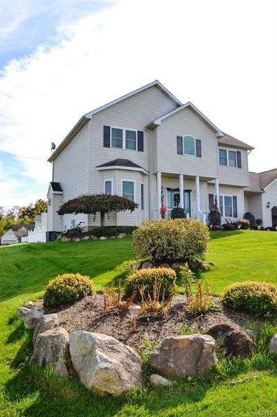 Whitesboro Single Family Home A-Active: 302 Bobs Brae