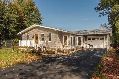 NEW HARTFORD Single Family Home A-Active: 135 Colonial Drive