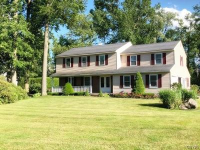 New Hartford Single Family Home C-Continue Show: 33 Rollingwood Drive