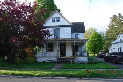 Jefferson County Single Family Home For Sale: 410 N Clinton Street