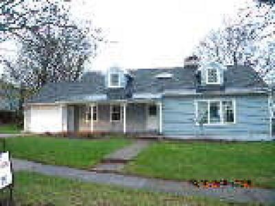 Single Family Home A-Active: 95 East Utica Street