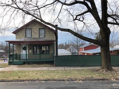 Single Family Home A-Active: 829 Mechanic Street