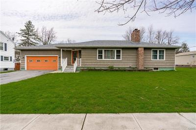 Watertown-City Single Family Home For Sale: 658 S Hamilton Street