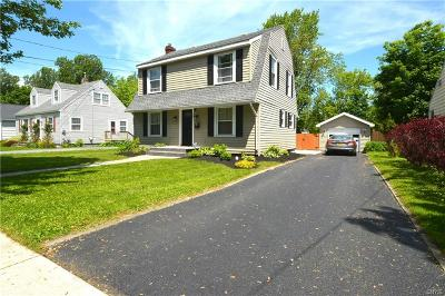 Watertown-city Single Family Home For Sale: 241 Thompson Boulevard