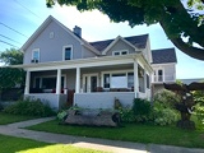 Alexandria Single Family Home For Sale: 35 Crossmon Street