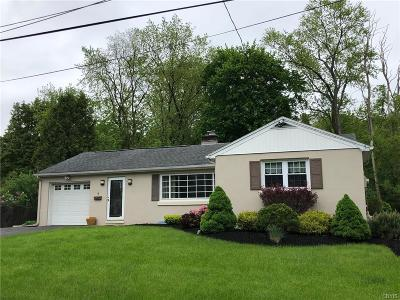 New Hartford Single Family Home For Sale: 5 Old Orchard Road