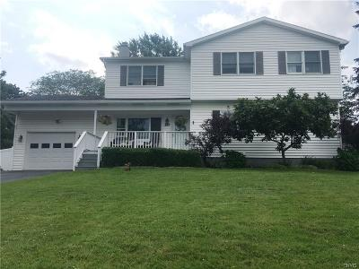 Single Family Home For Sale: 207 Stafford Circle