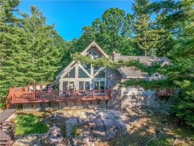 Jefferson County, Lewis County Single Family Home For Sale: 46783 Waterson Point Road
