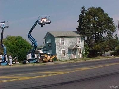 Auburn Single Family Home For Sale: 145 Grant Avenue