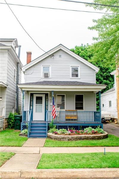 Single Family Home For Sale: 237 W 7th Street