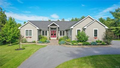 Jefferson County, Lewis County Single Family Home For Sale: 20460 Derouin Drive