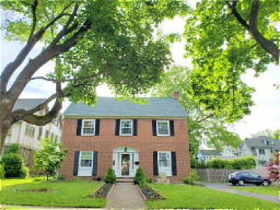 Syracuse Single Family Home For Sale: 504 Sedgwick Drive