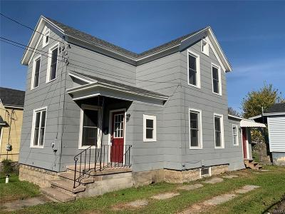 Single Family Home For Sale: 249 W 7th Street
