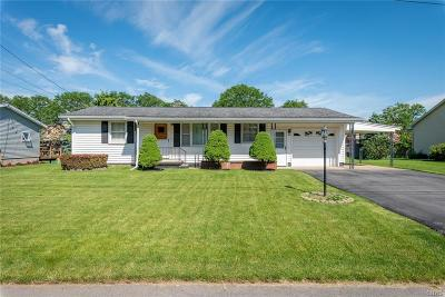 New Hartford Single Family Home For Sale: 4 Royal Brook Lane