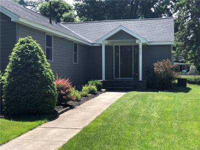 Watertown-City Single Family Home For Sale: 455 Paddock Street