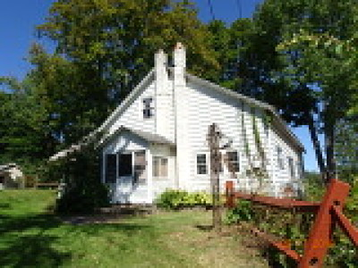 Single Family Home For Sale: 9567 Summit Road