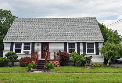 Whitestown Single Family Home Active Under Contract: 2202 Highland Avenue