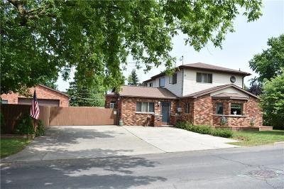 Oswego-City NY Single Family Home For Sale: $194,900
