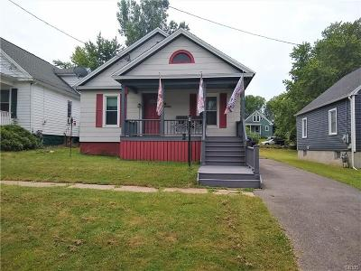 Whitestown Single Family Home For Sale: 2131 Highland Avenue