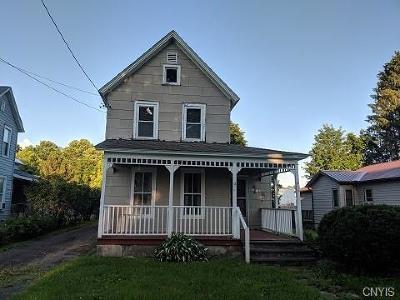 Camden Single Family Home For Sale: 39 Elm Street