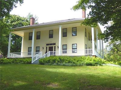 New Hartford NY Single Family Home For Sale: $375,000
