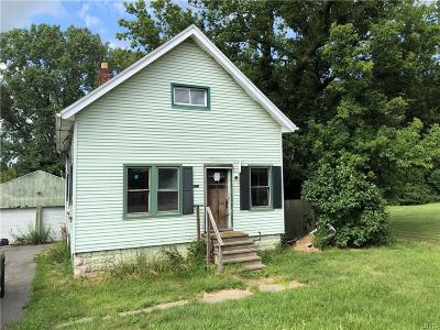 Genesee County Single Family Home For Sale: 5001 E Main Street Road