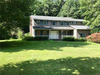 Lysander NY Single Family Home For Sale: $267,500