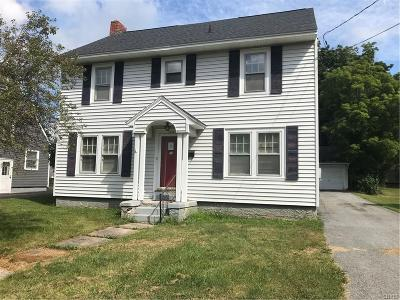 Watertown-City Single Family Home For Sale: 153 Thompson Boulevard
