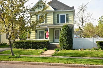 Watertown-City Single Family Home For Sale: 1152 Academy Street