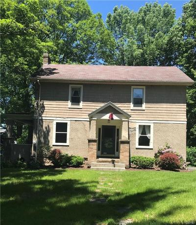 Clinton Single Family Home For Sale: 3 Ives Lane