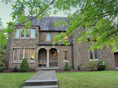 Utica Single Family Home For Sale: 16 Derbyshire Place