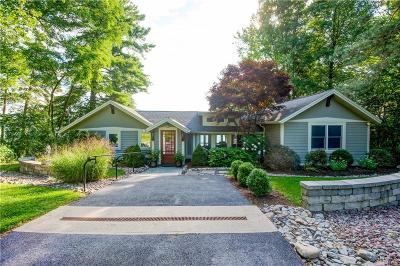 Single Family Home For Sale: 2120 Lakeview Lane