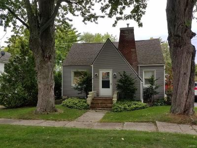 Jefferson County Single Family Home For Sale: 102 E Washington Street