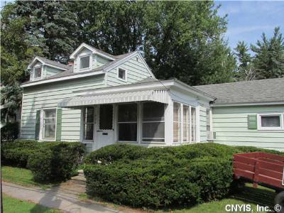 Waterloo NY Single Family Home For Sale: $79,900