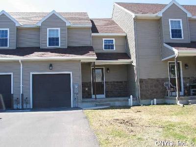Oswego-City Condo/Townhouse U-Under Contract: 136 Arcadia Avenue