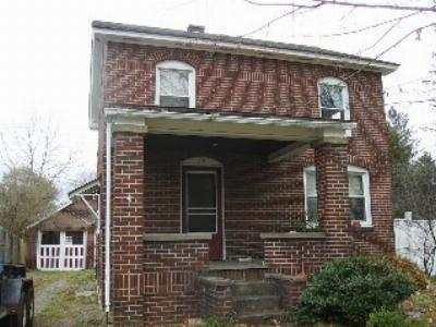 Frewsburg Single Family Home For Sale: 28 North Pearl Street