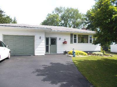 Silver Creek Single Family Home For Sale: 35 Buffalo Street