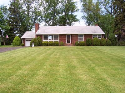 Single Family Home For Sale: 4852 West Main Road